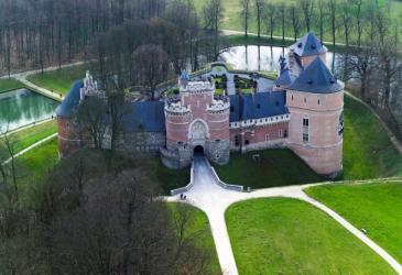 Kasteel van Gaasbeek c www.vlaanderenvanuitdelucht.be