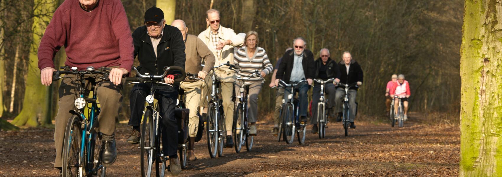groep fietsers in Ertbrugge