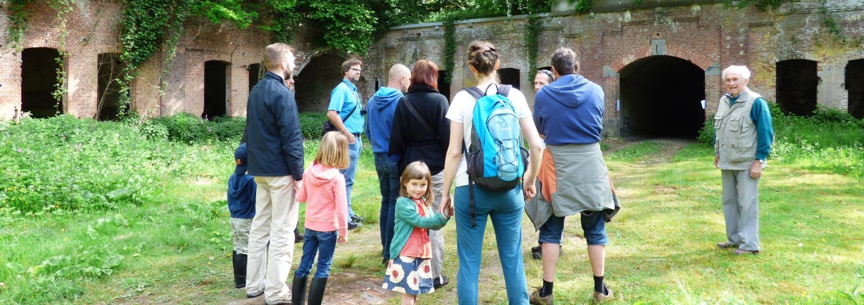 groep in het fort