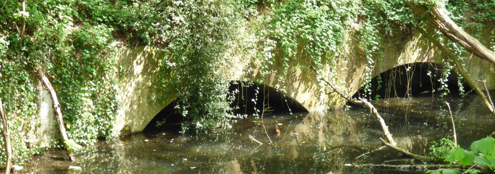 deel van het fort naast het water